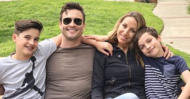 Actor Daniel Goddard and family