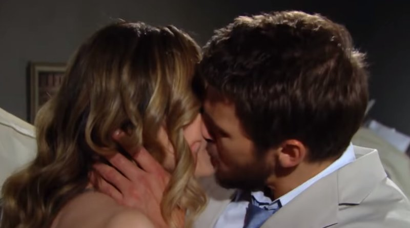 Bold and the Beautiful - Hope Logan (Annika Noelle) - Liam Spencer (Scott Clifton)
