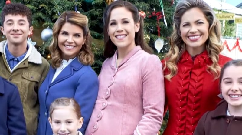 When Calls The Heart: Abigail Stanton (Lori Loughlin) - Elizabeth Thatcher (Erin Krakow)