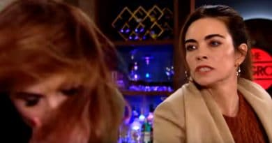Young and the Restless Spoilers: Victoria Newman (Amelia Heinle) - Phyllis Abbot (Gina Tognoni)