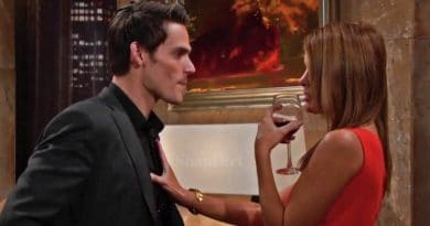 Young and the Restless: Phyllis Abbott (Michelle Stafford) - Adam Newman (Mark Grossman)