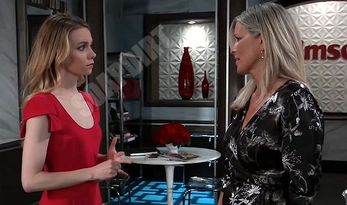 General Hospital: Spoilers Nelle Hayes (Chloe Lanier) - Carly Corinthos (Laura Wright)