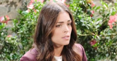 Days of our Lives: Zoey Burge (Kelly Thiebaud)