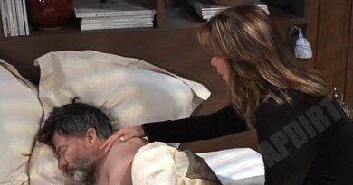 General Hospital: Alexis Davis (Nancy Lee Grahn) - Neil Byrne (Joe Flanigan)
